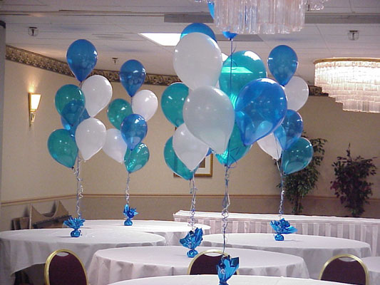 Balloon table centerpieces party favors ideas for Balloon decoration ideas no helium